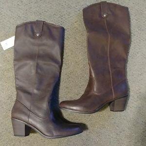 Esmeralda brown riding boot size 10